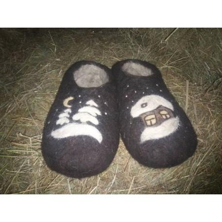 Тапочки из овечьей шерсти ручной работы