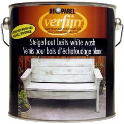 Беленое дерево с помощью восковой морилки Verfijn Staigerhout beits  белая 2,5 л.