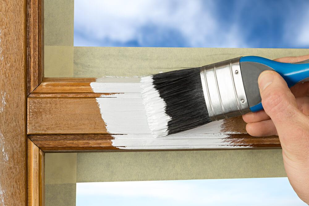 Белая голландская краска для окон из дерева