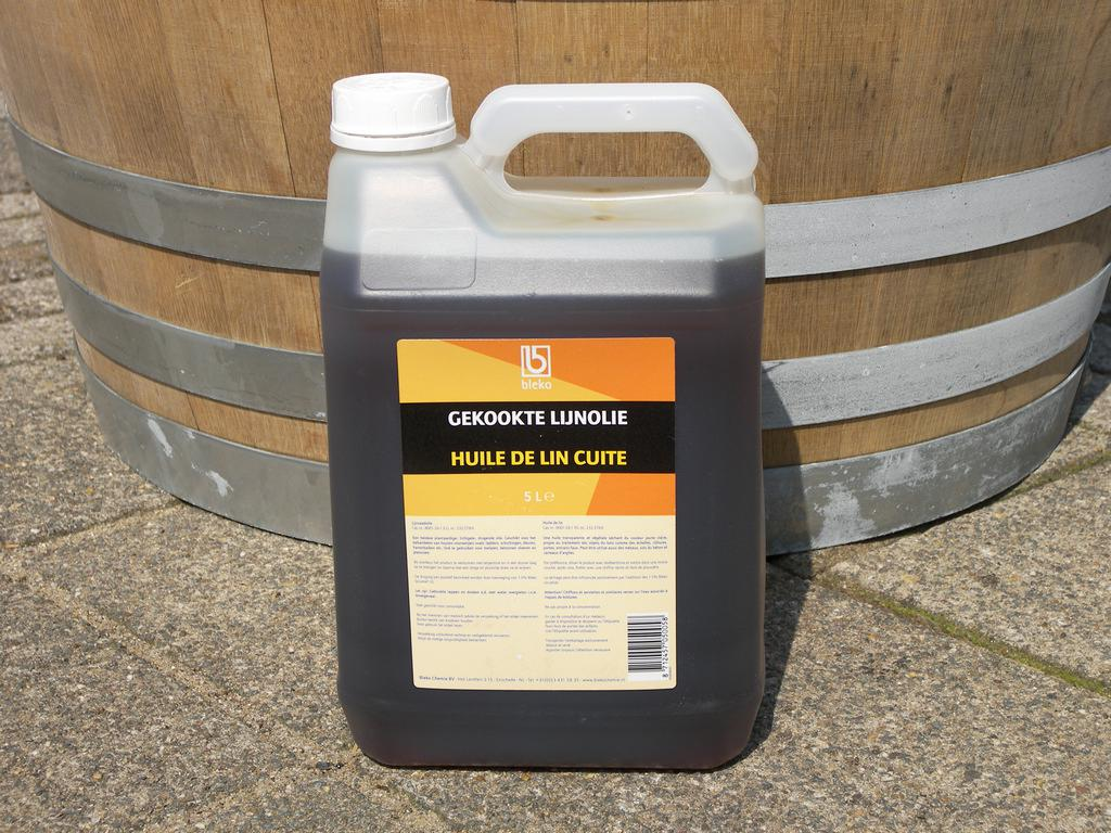 ЧВарёное льняное масло для дерева Голландия 5 литров